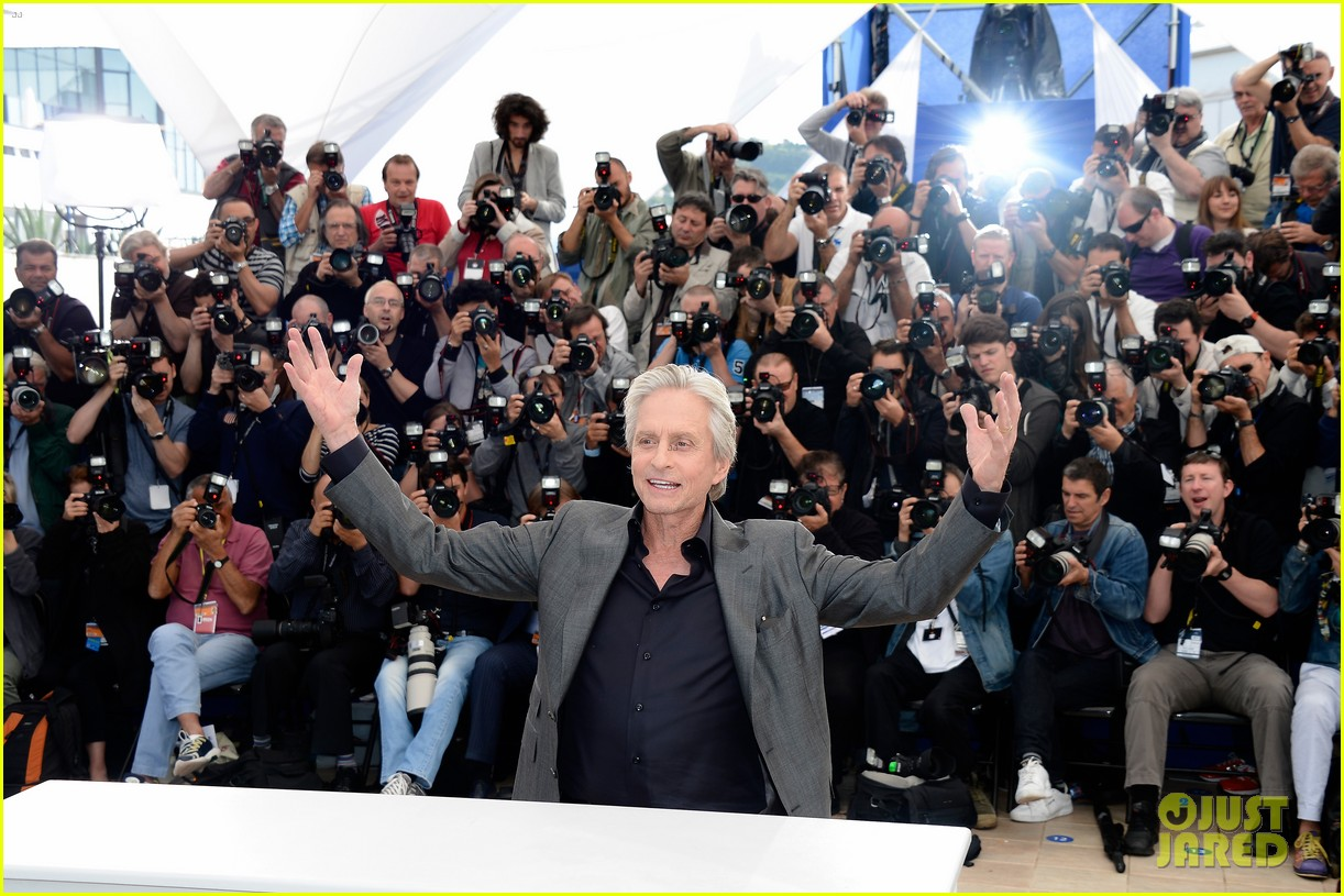 matt damon michael douglas cannes behind the candelabra photo call 042875309