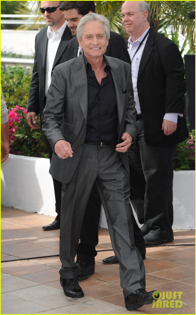 matt damon michael douglas cannes behind the candelabra photo call 102875315