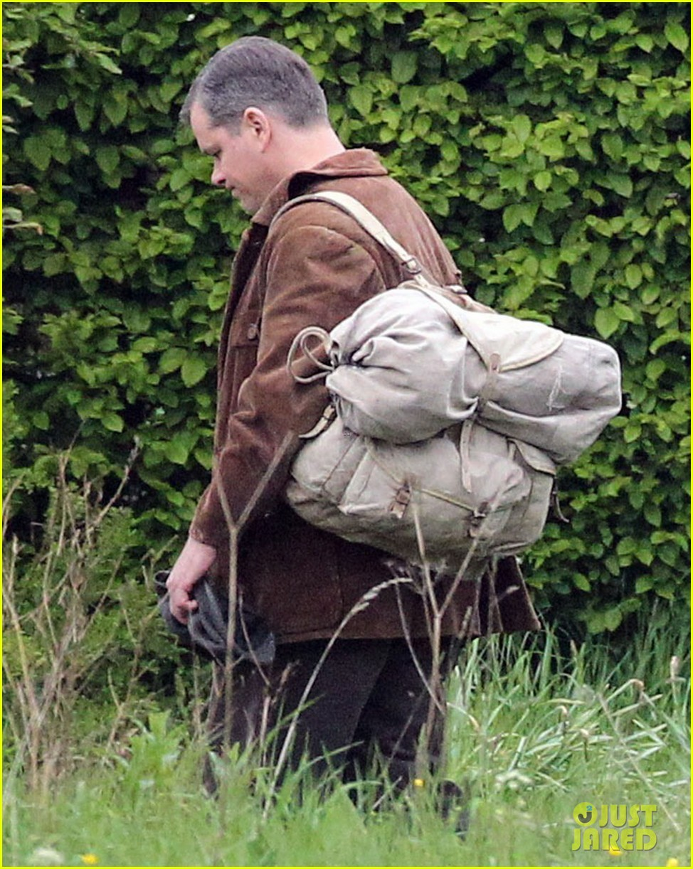 matt damon george clooney get to work on monuments men 12