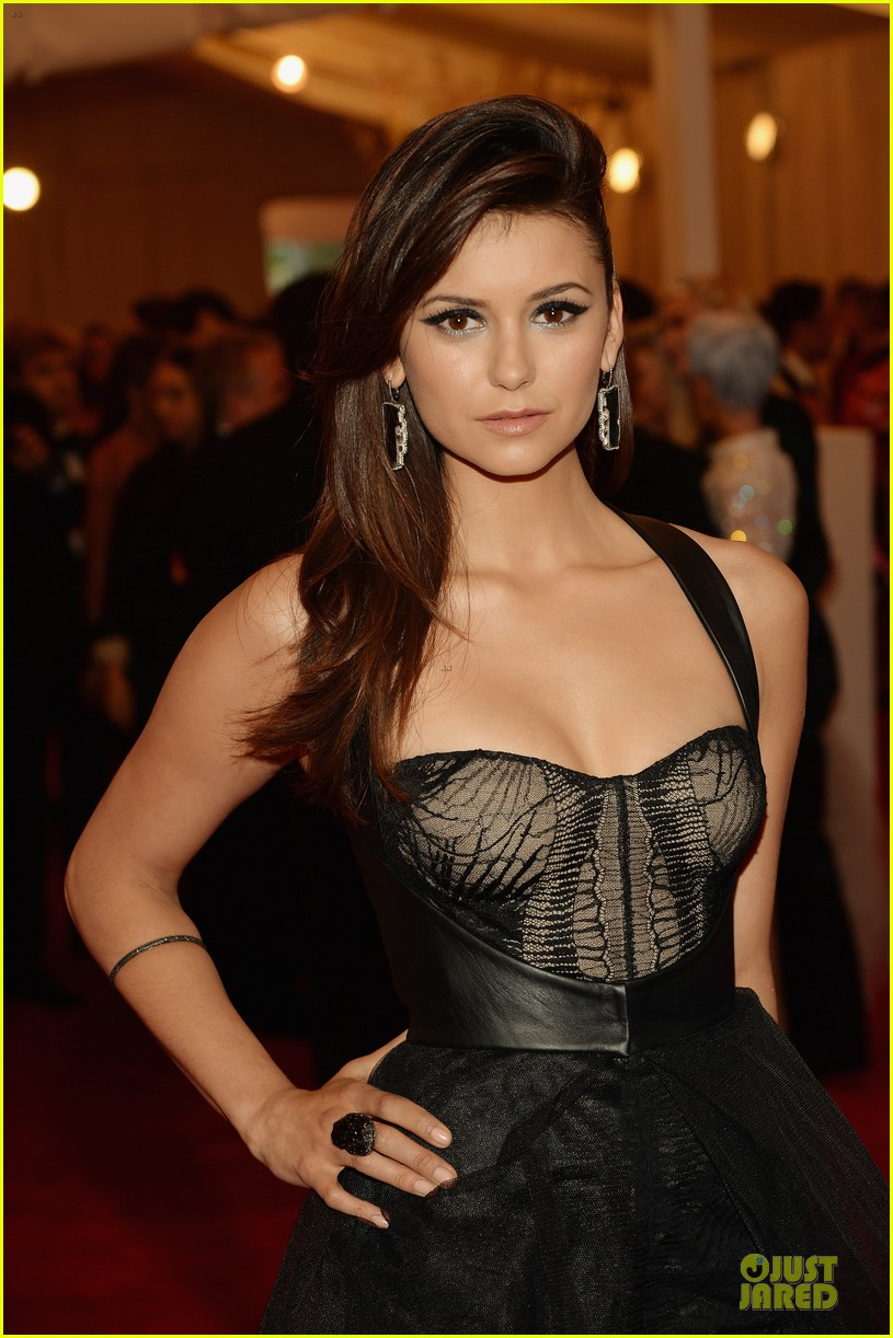 nina dobrev met ball 2013 red carpet 02