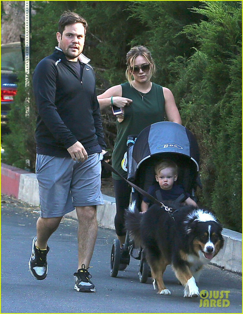 hilary duff mike comrie family hike with luca 12