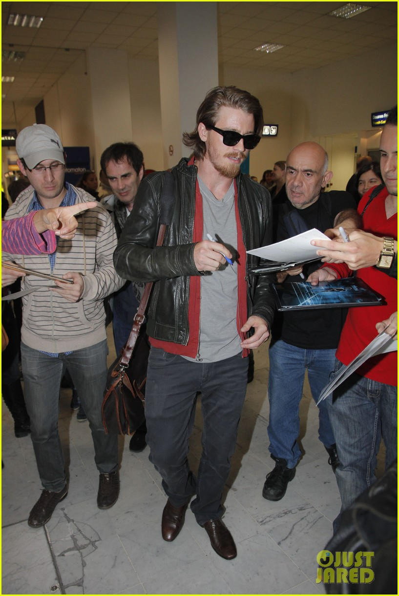 kirsten dunst garrett hedlund touch down for cannes 082873303