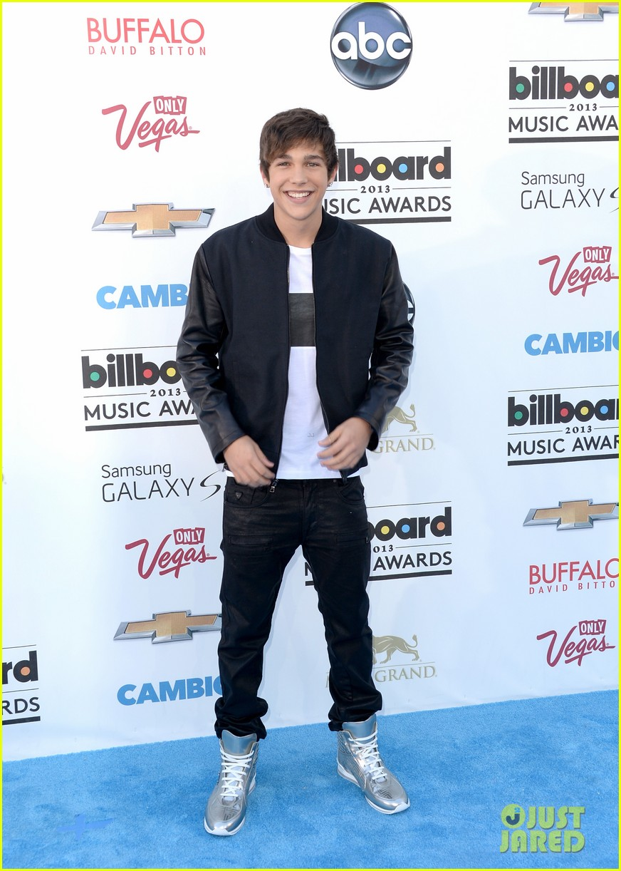 ed sheeran austin mahone billboard music awards 2013 red carpet 04