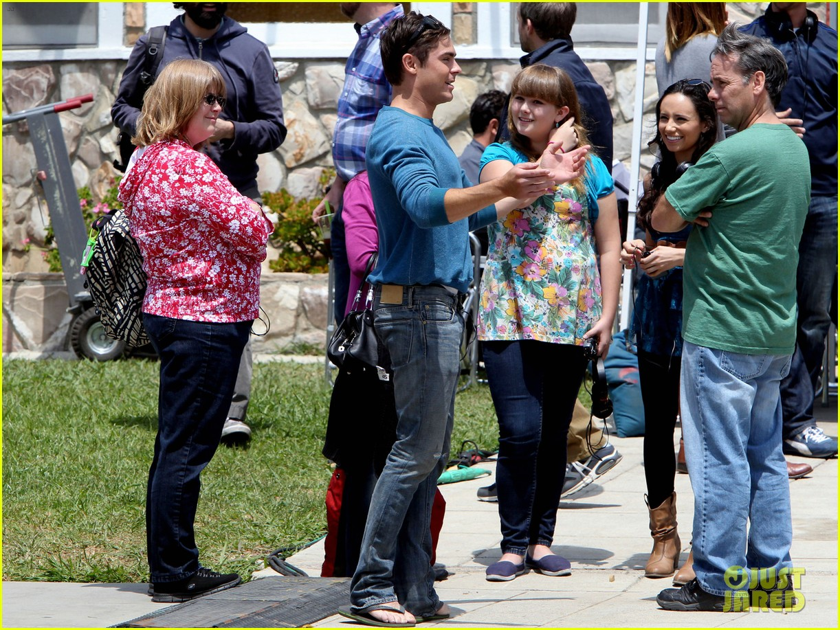 zac efron plays with big balls on townies set 08