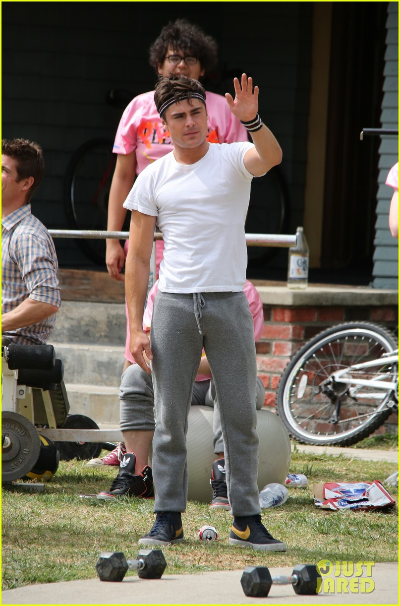 zac efron sweats it out with dave franco on townies set 14