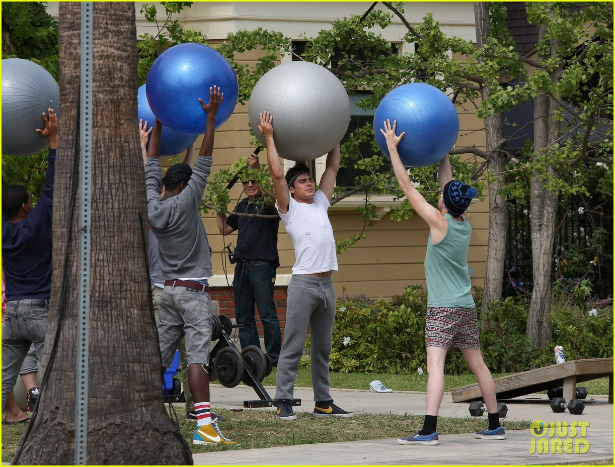 zac efron sweats it out with dave franco on townies set 18