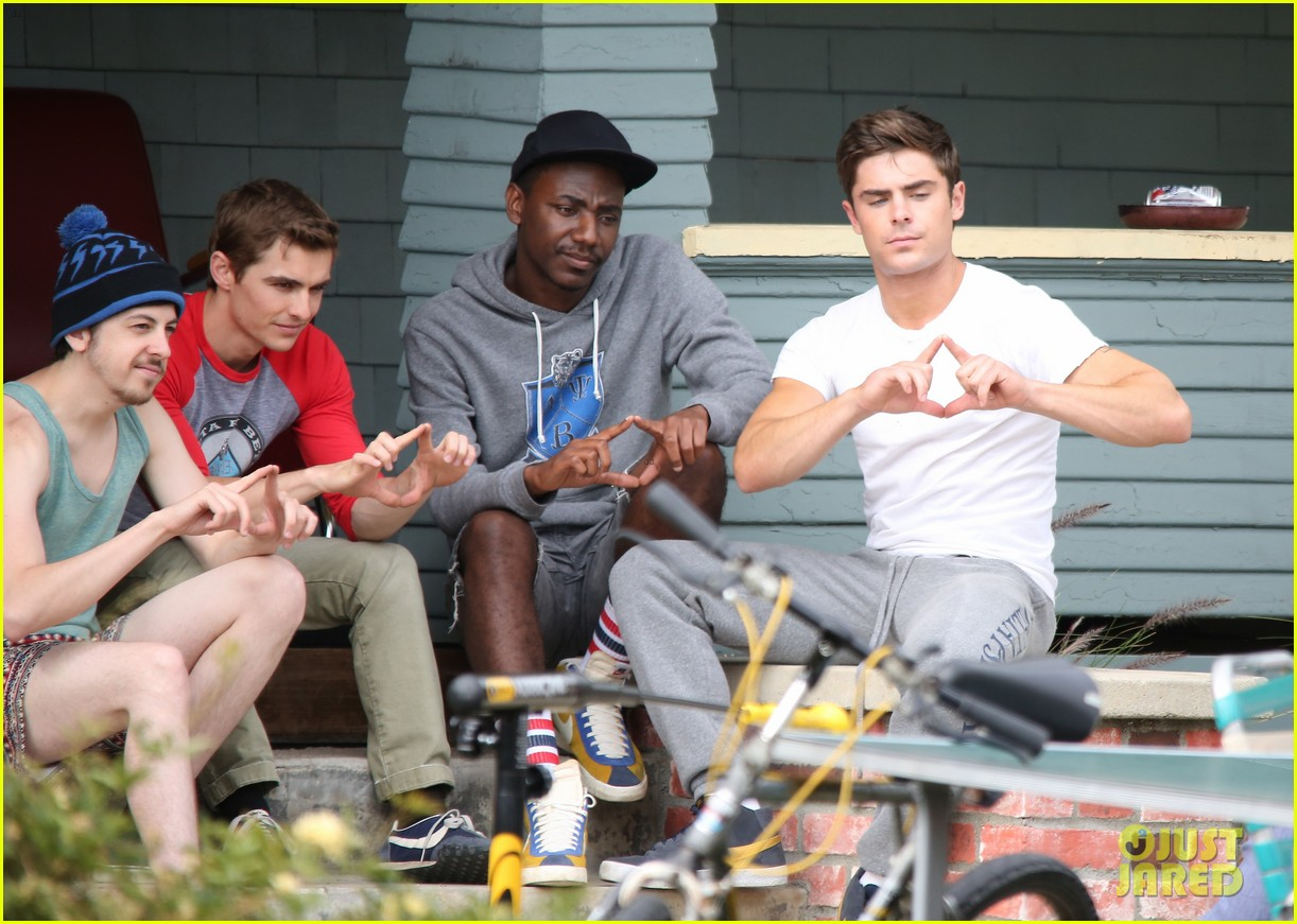 zac efron sweats it out with dave franco on townies set 25