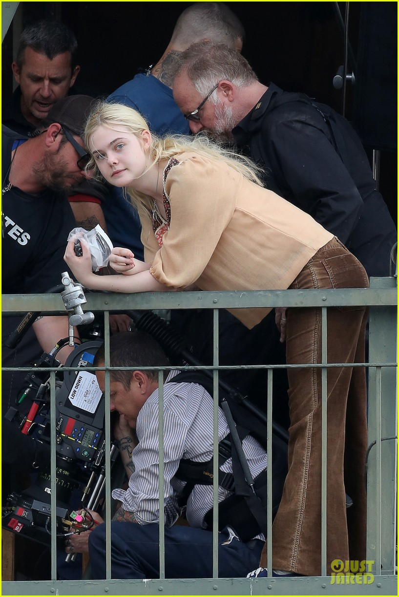 elle fanning low down set with peter dinklage 25