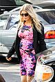 fergie flower power baby bump 08