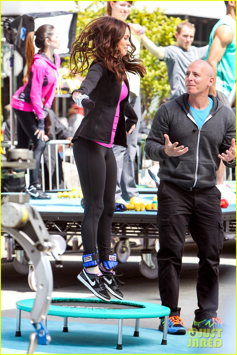 megan fox bid on a teenage mutant ninja turtles set visit 09