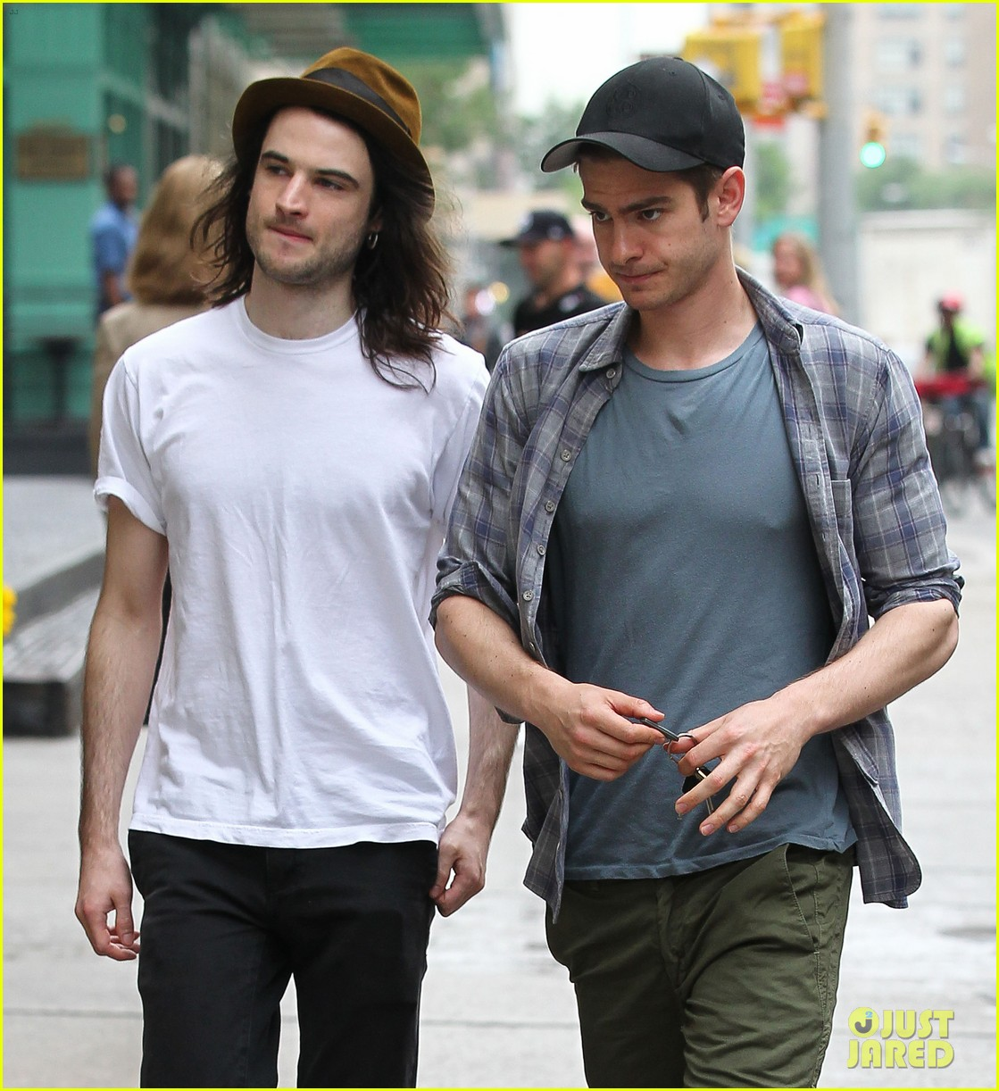 andrew garfield tom sturridge manhattan dog