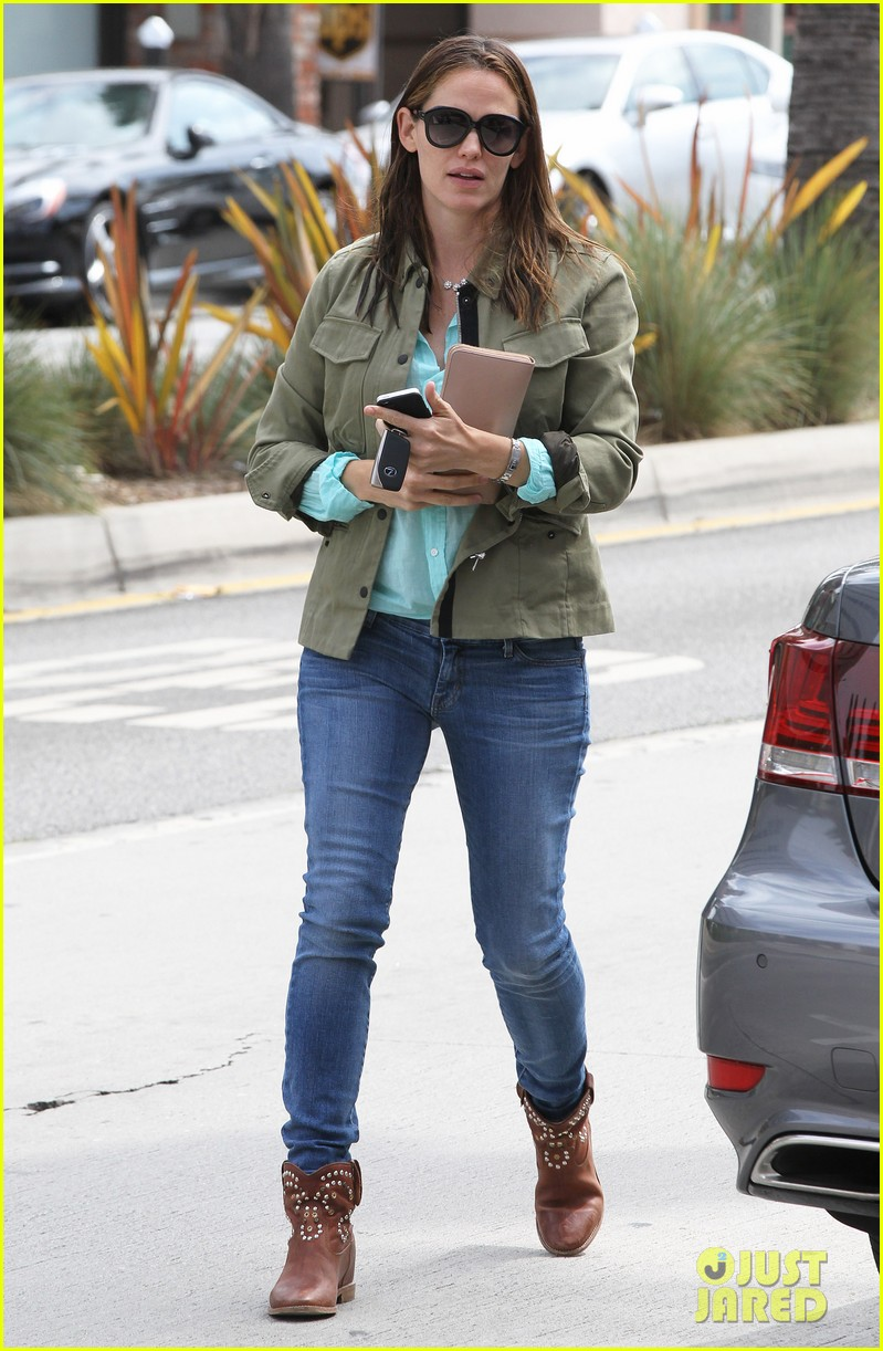 jennifer garner busy week with violet 072867831
