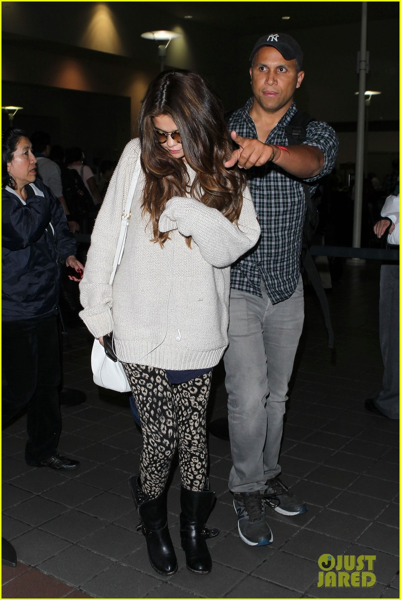 selena gomez back in los angeles after press tour 06