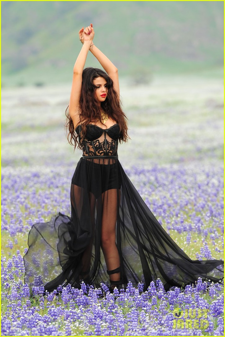 selena gomez come get it video shoot pictures 01