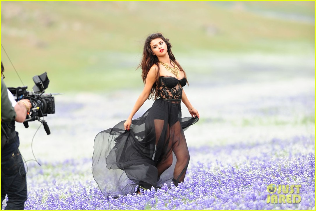selena gomez come get it video shoot pictures 14