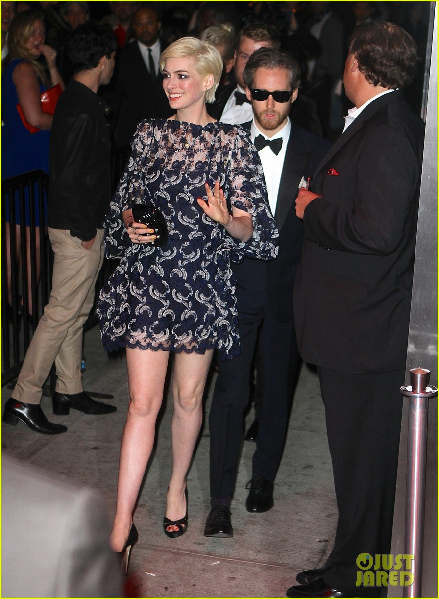 anne hathaway amanda seyfried met ball 2013 after party 07