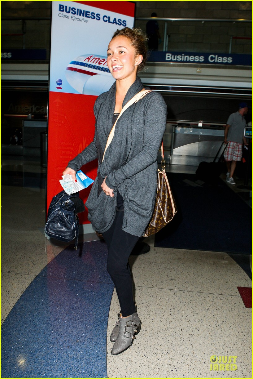hayden panettiere conne britton memorial day weekend lax departures 142877978
