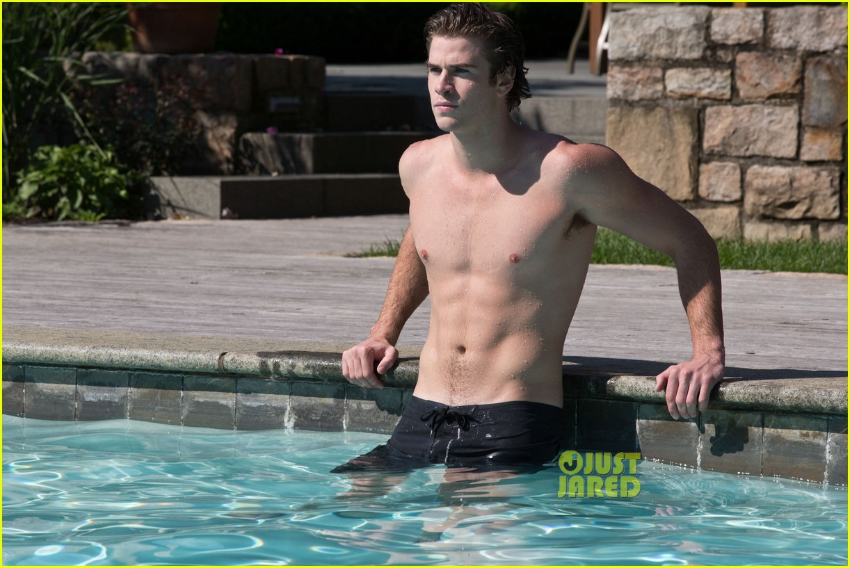 liam hemsworth shirtless in the pool for paranoia 05