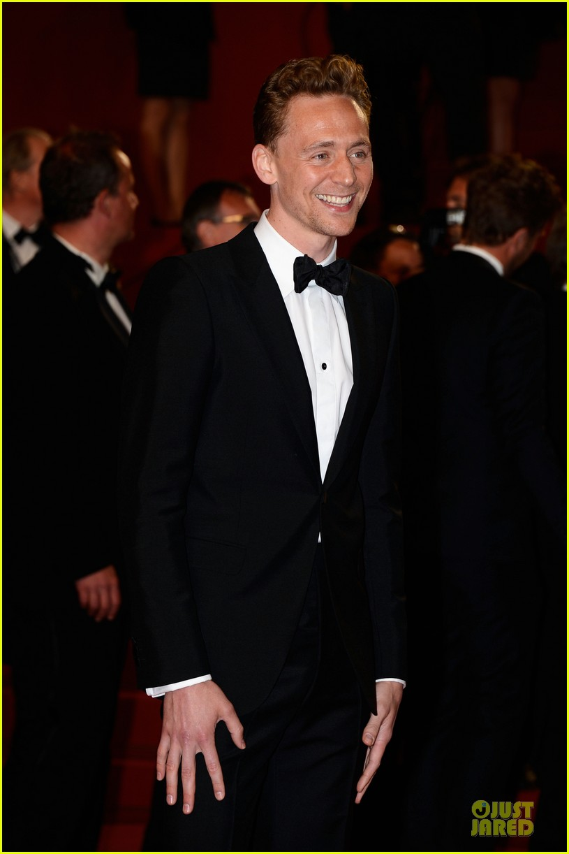 tom hiddleston tilda swinton hold hands at only lovers left alive premiere 09