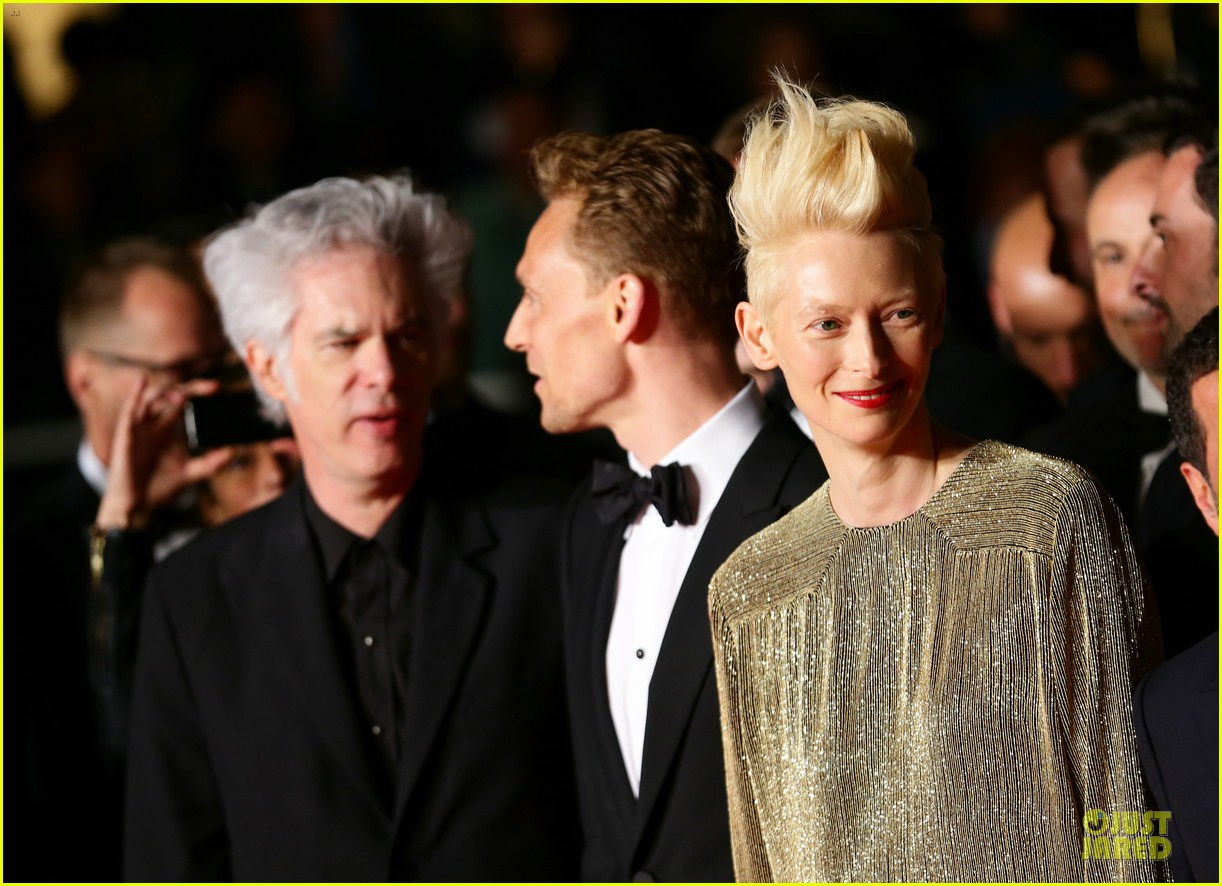 tom hiddleston tilda swinton hold hands at only lovers left alive premiere 18