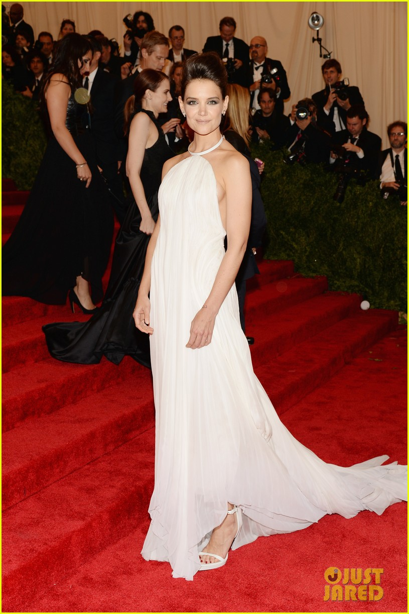 katie holmes met ball 2013 red carpet 022865122