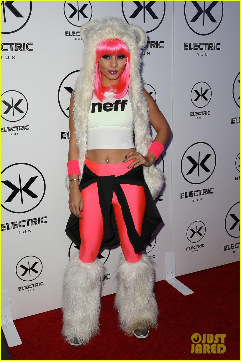 vanessa hudgens bright pink wig for electric run 2013 202877777