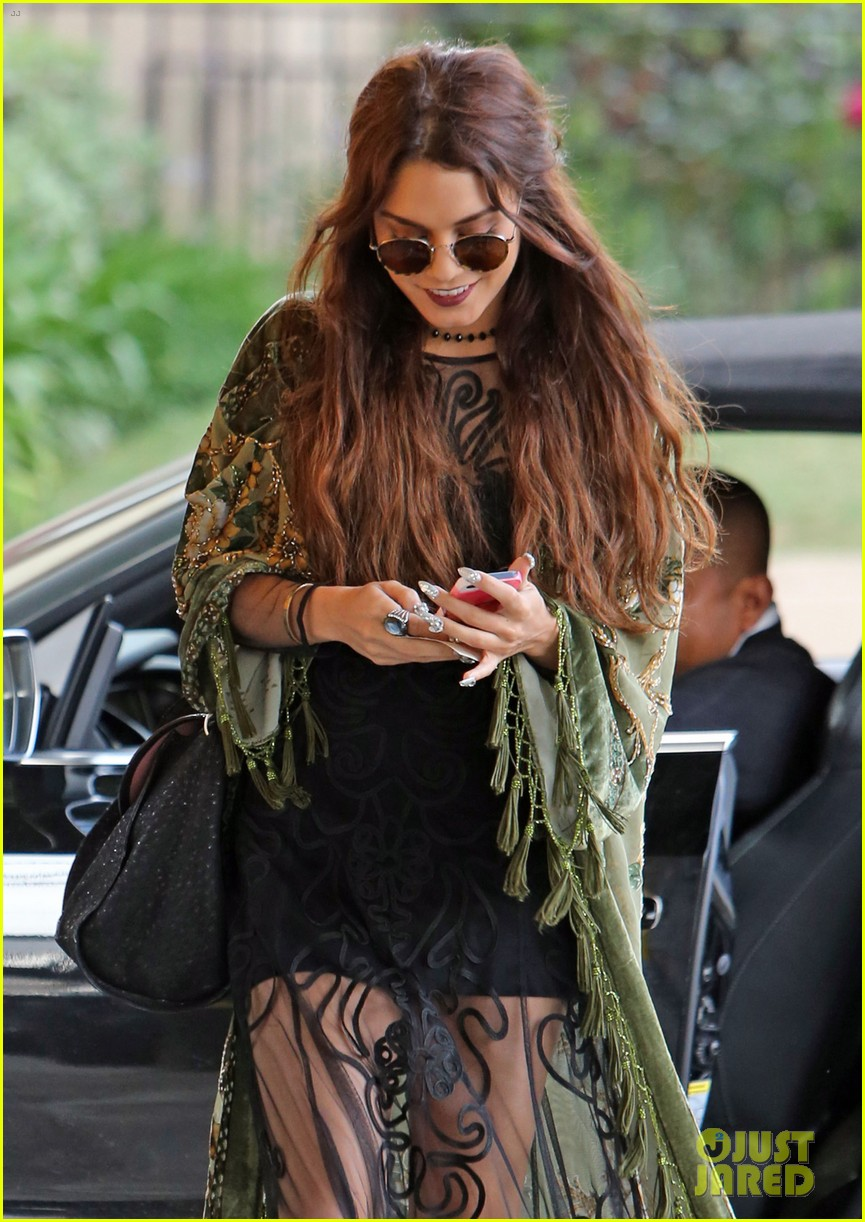 vanessa hudgens hipster chic style at hair salon 04
