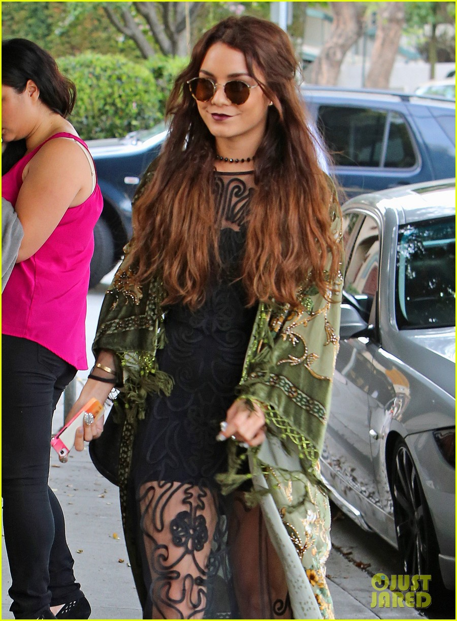 vanessa hudgens hipster chic style at hair salon 17