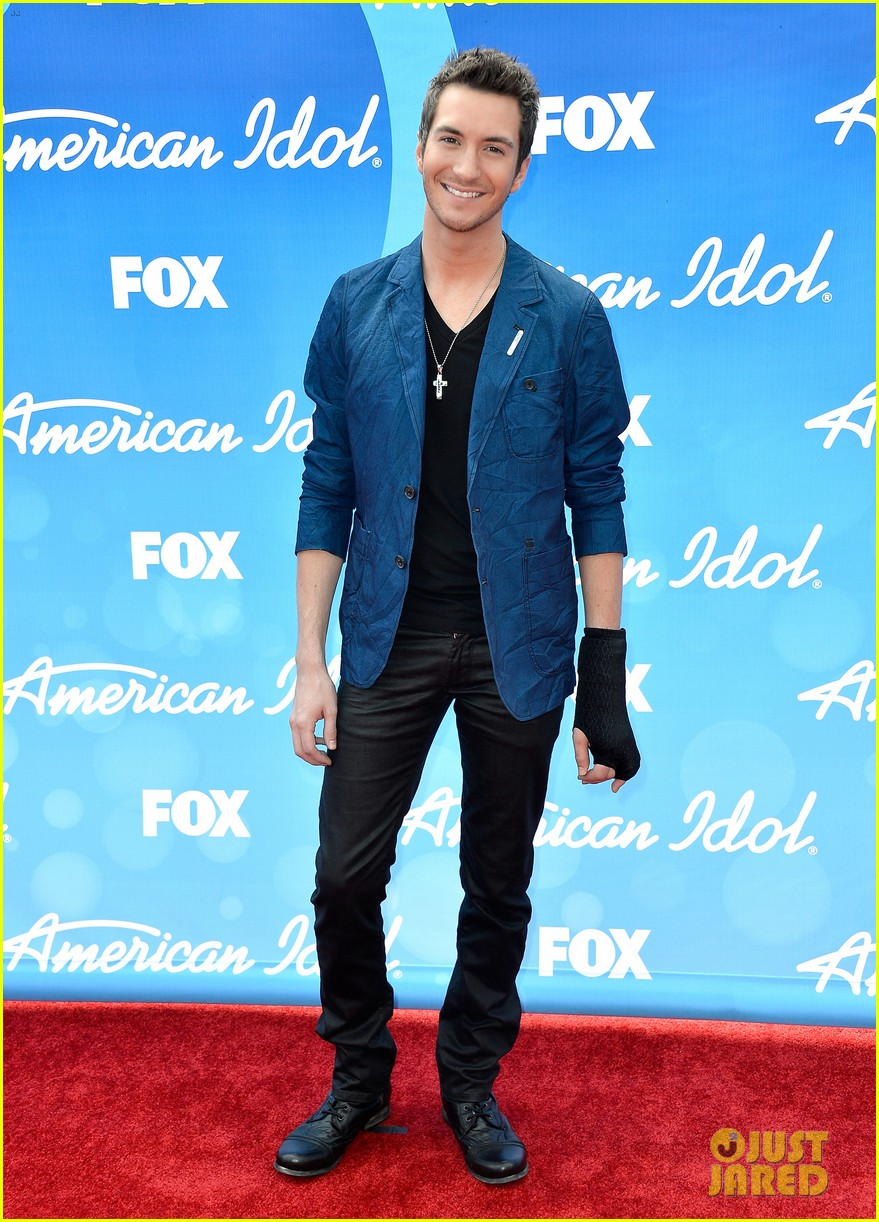 american idol top five guys walk finale red carpet 072871949