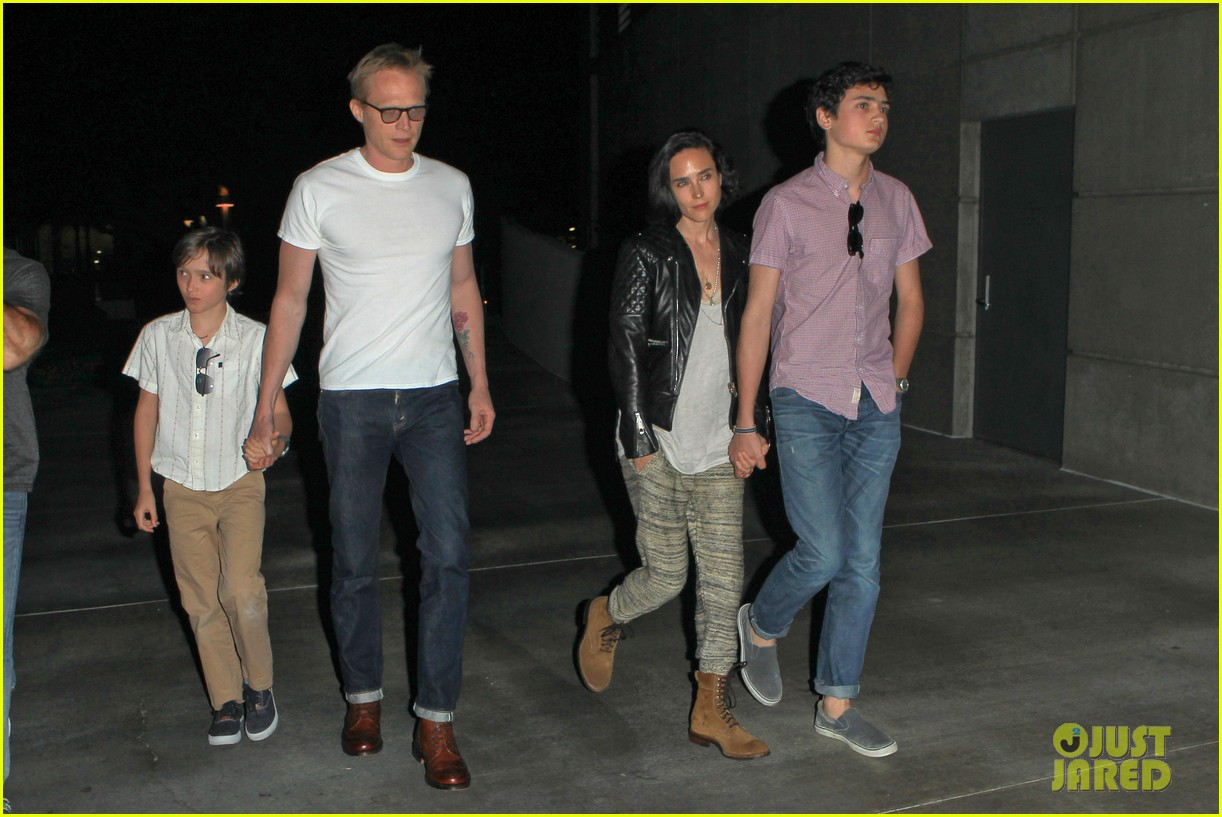 jennifer connelly paul bettany rolling stones concert with the kids 09
