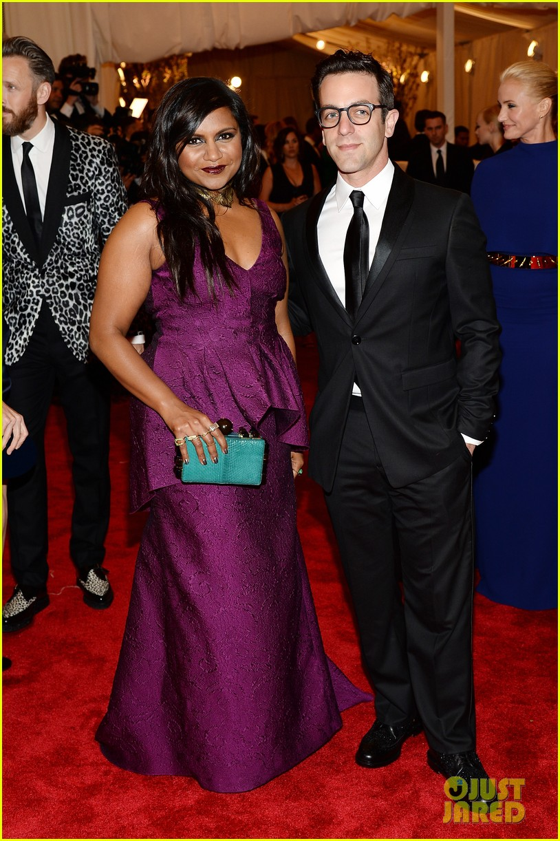 mindy kaling met ball 2013 red carpet with bj novak 012865852