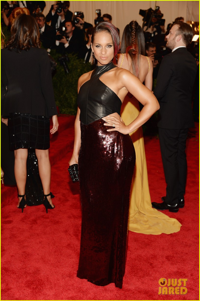 alicia keys met ball 2013 red carpet 032865229