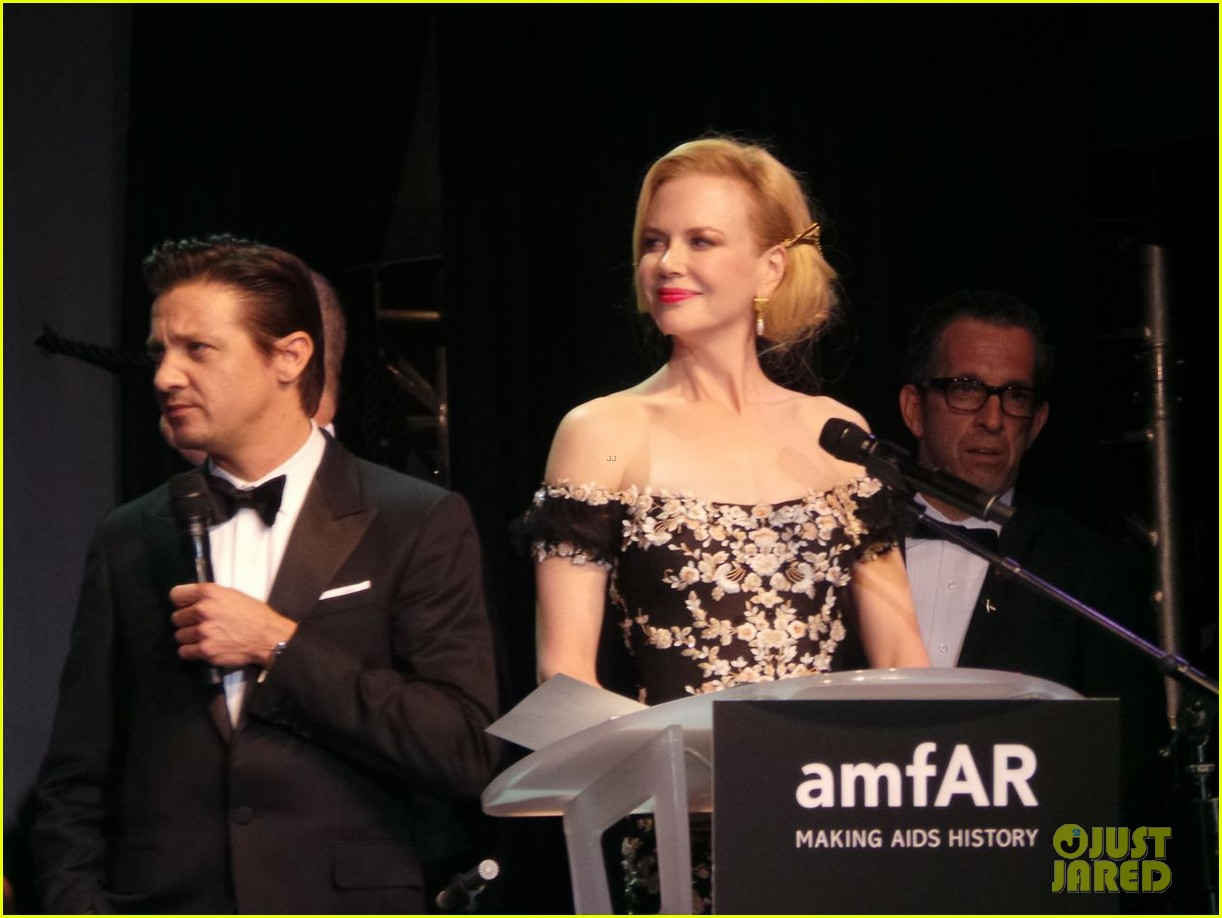 nicole kidman strolls cannes after amfar gala 052877567