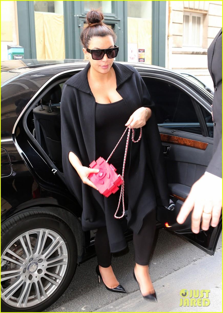 FFN_Kardashian_Kim_CHP_052213_51107029