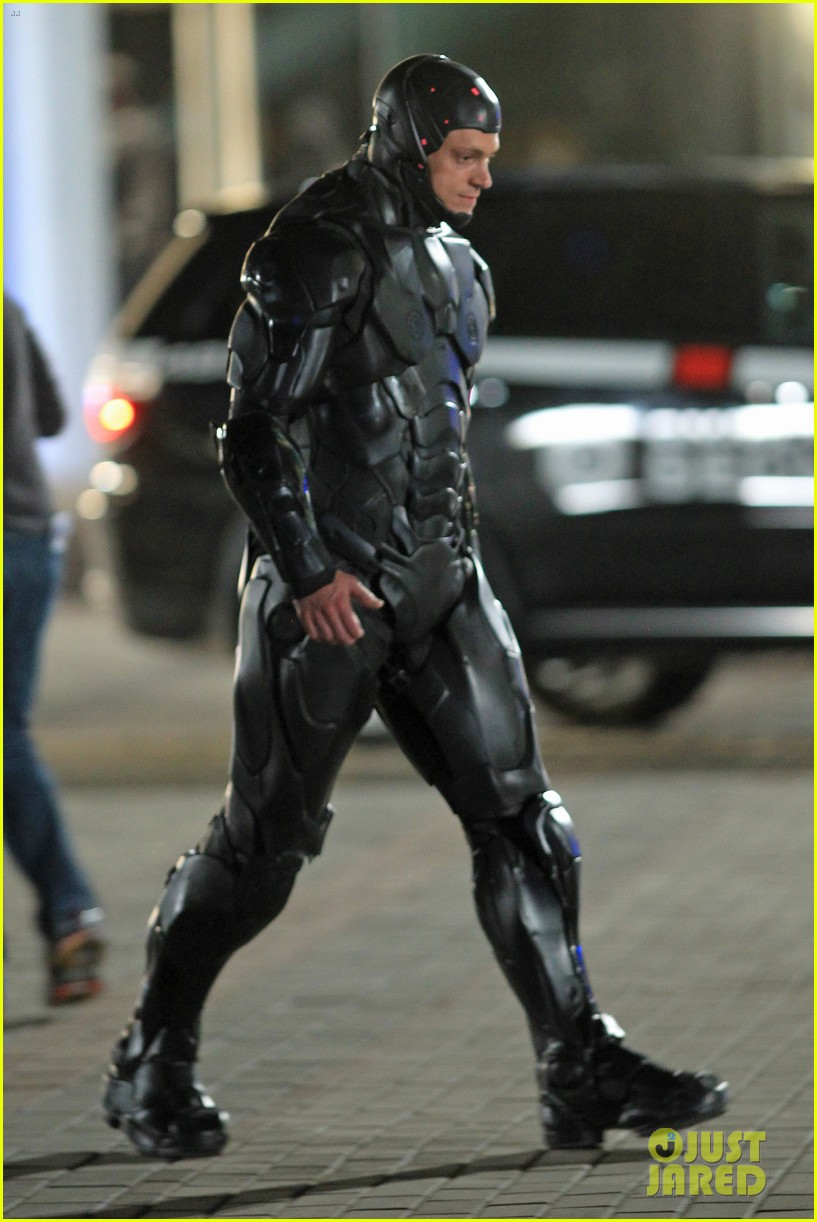 joel kinnaman suits up for robocop reshoots 052868909