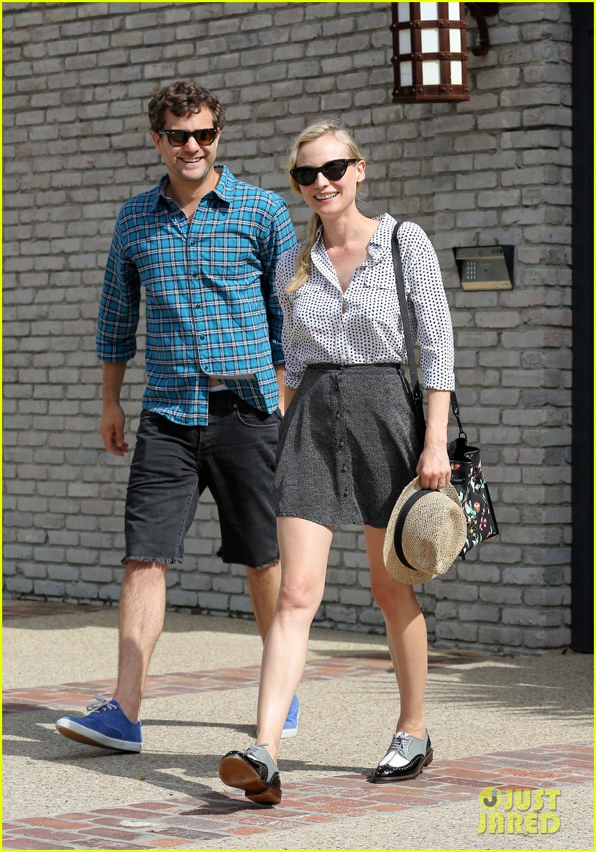 diane kruger joshua jackson joel silver memorial day party 02