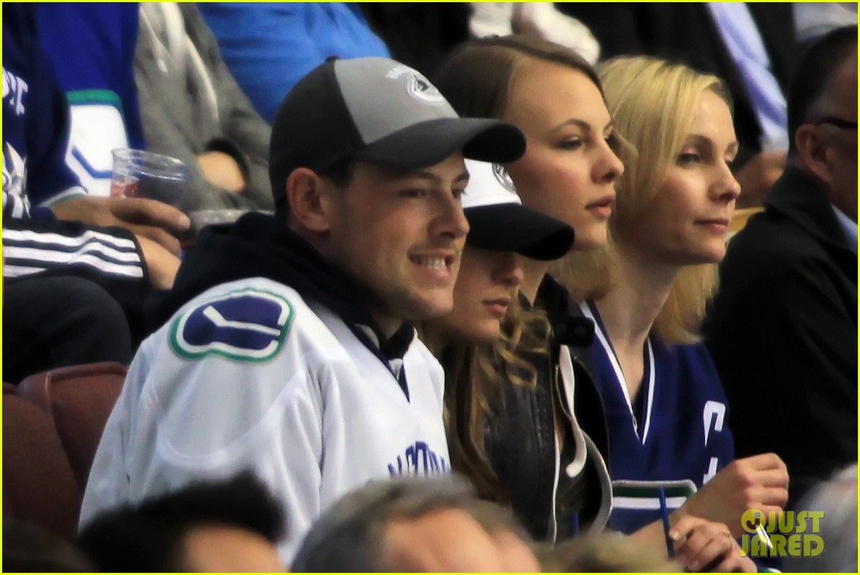 lea michele cory monteith cheer on the canucks 082862408