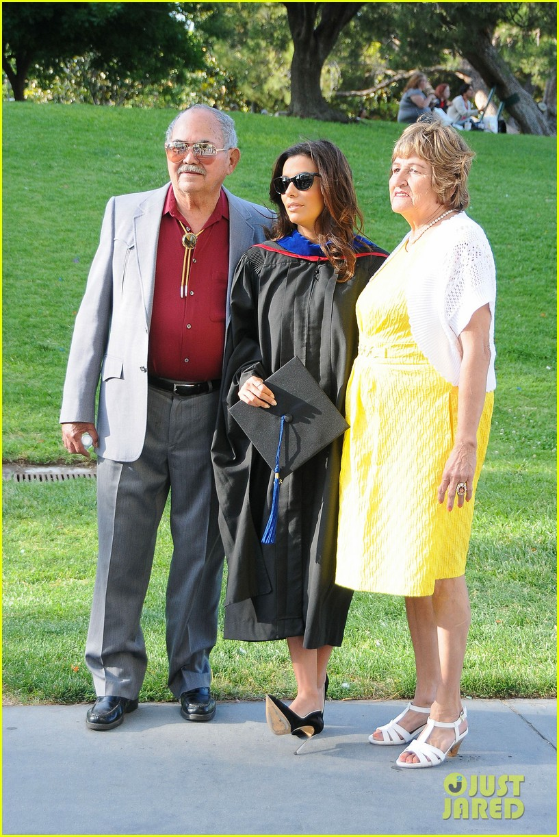 eva longoria graduates with a masters degree from csu 23