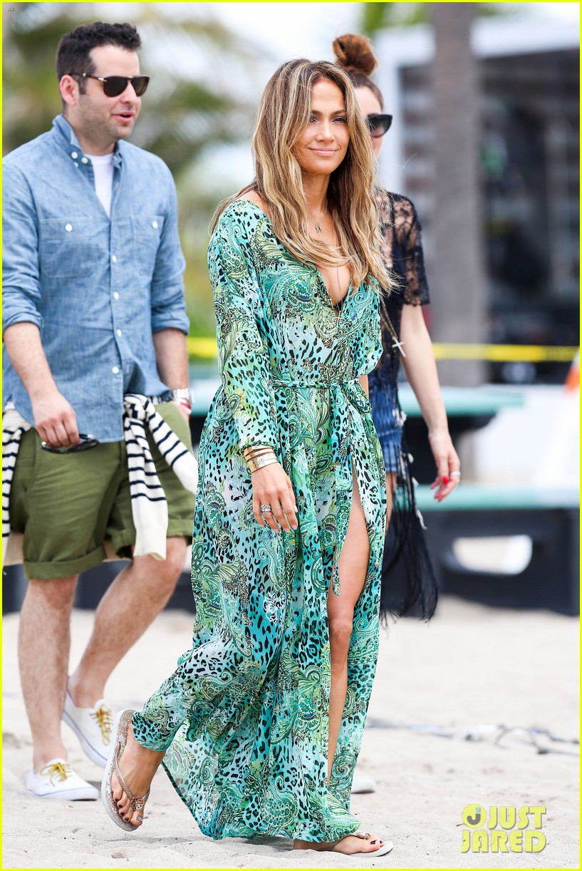 jennifer lopez music video set with shirtless casper smart 132864712