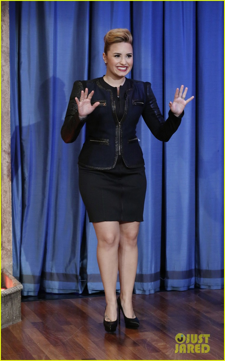 demi lovato promotes demi on late night with jimmy fallon 032871545