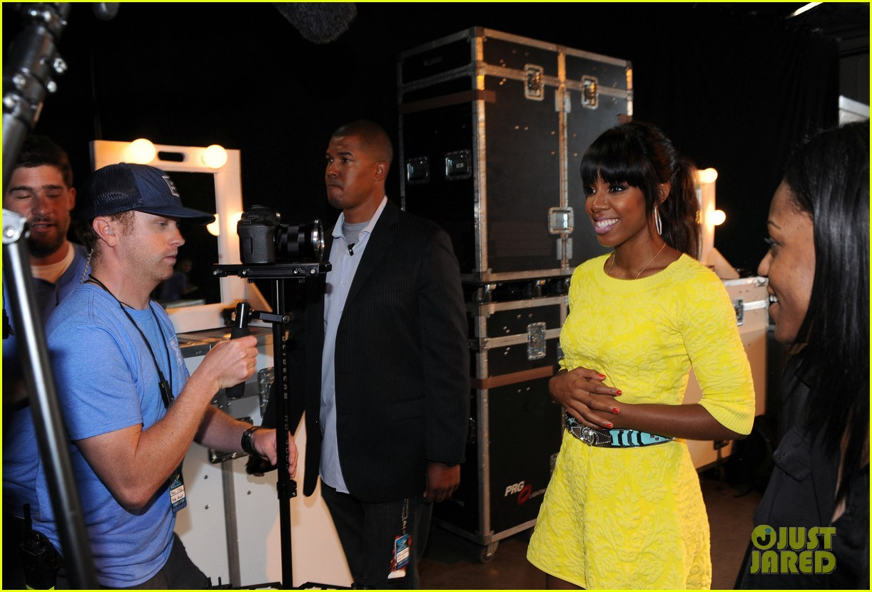 demi lovato kelly rowland x factor season 3 panel pics 04