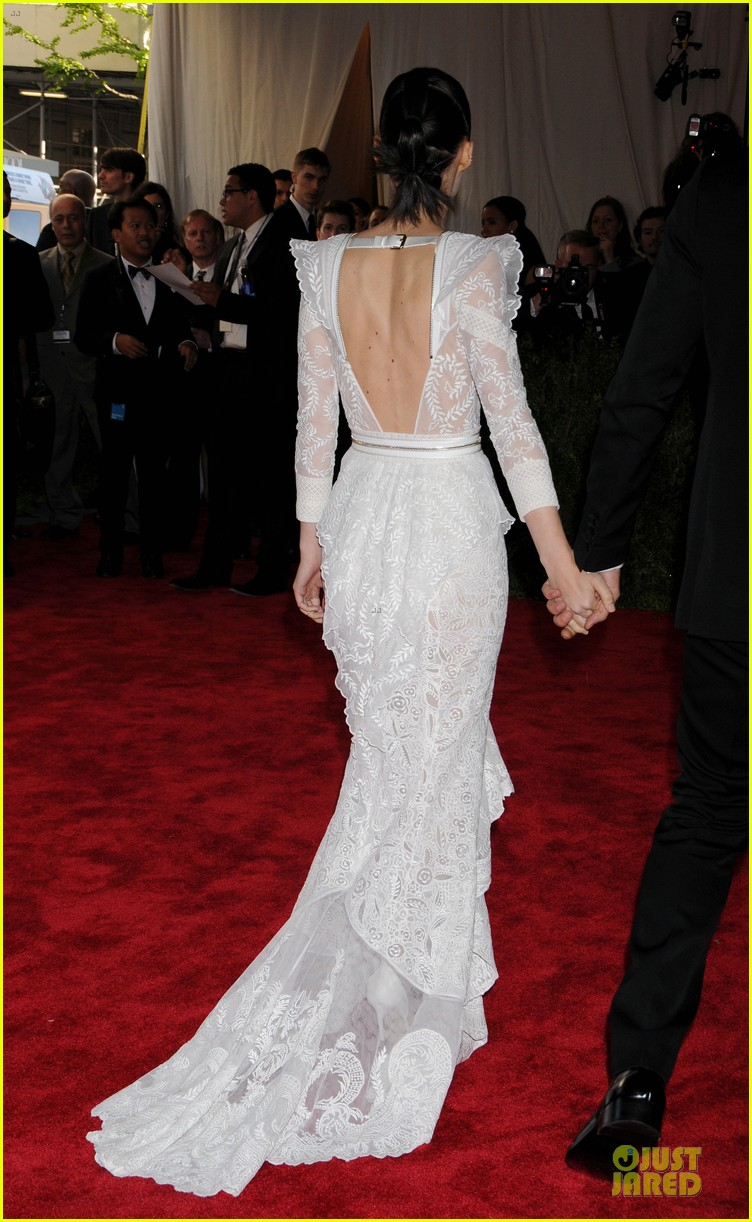 rooney mara met ball 2013 red carpet 07