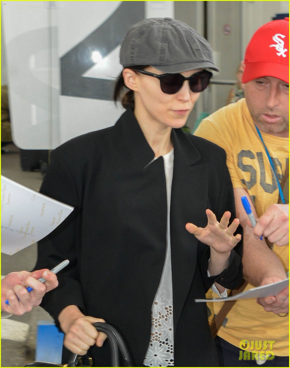 rooney mara vanessa paradis touch down for cannes 04