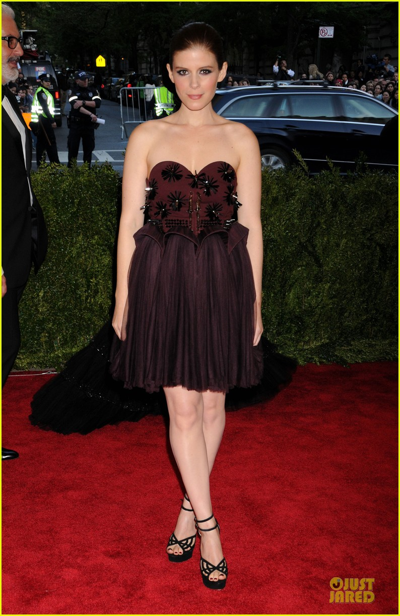 kate mara met ball 2013 red carpet 03