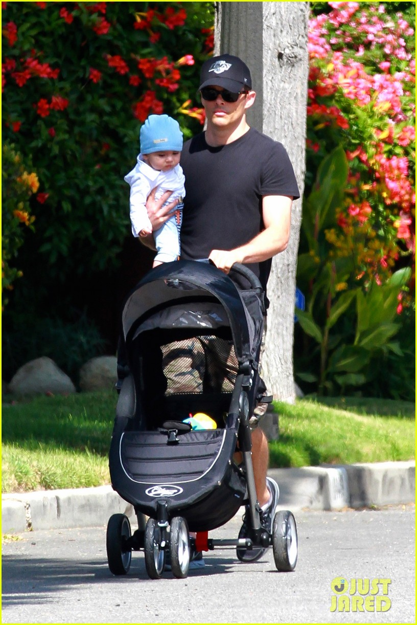 james marsden walks with son william luca 092879159