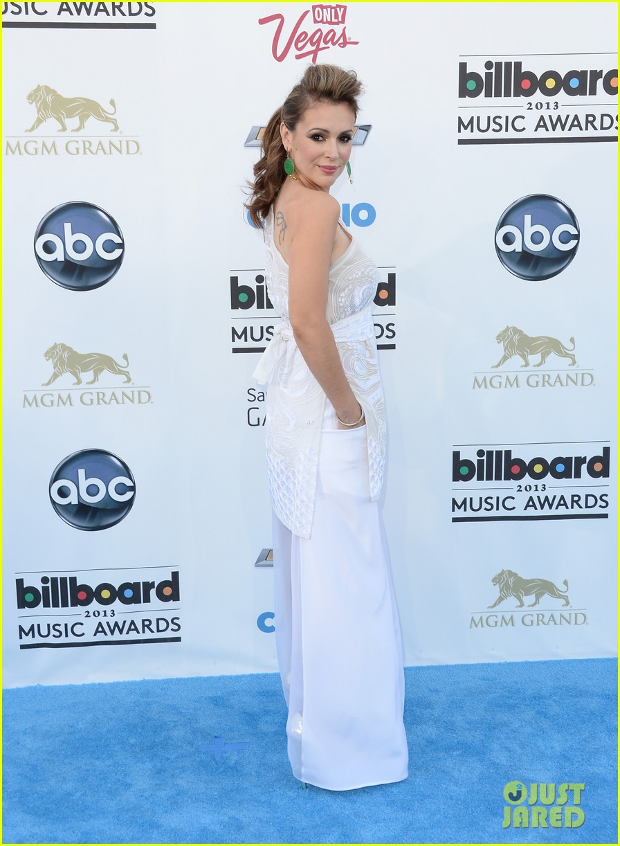 jenny mccarthy alyssa milano billboard music awards 2013 red carpet 052874133