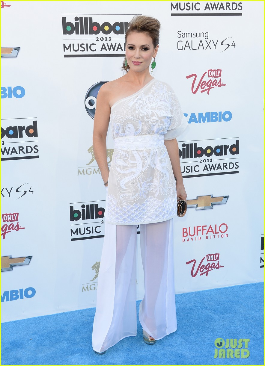 jenny mccarthy alyssa milano billboard music awards 2013 red carpet 09
