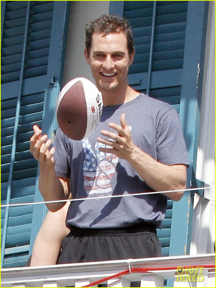 matthew mcconaughey amazing race event with drew brees 032873137