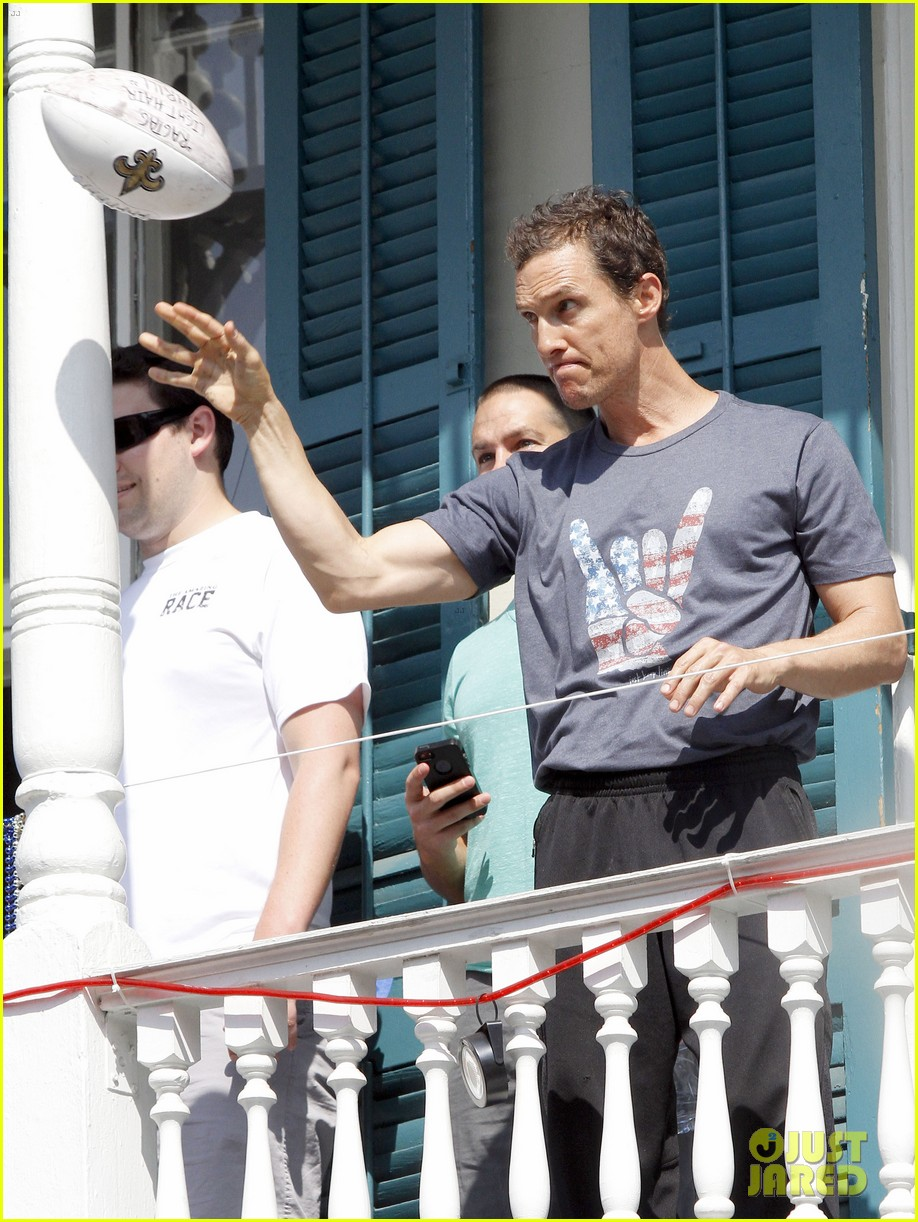matthew mcconaughey amazing race event with drew brees 22