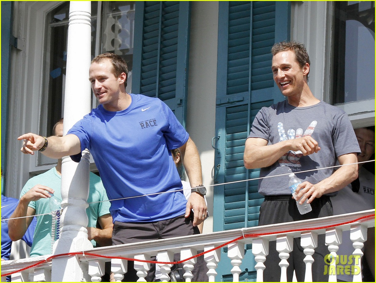 matthew mcconaughey amazing race event with drew brees 25